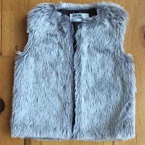 Faux Fur Vest.  Girls size 4T-5T